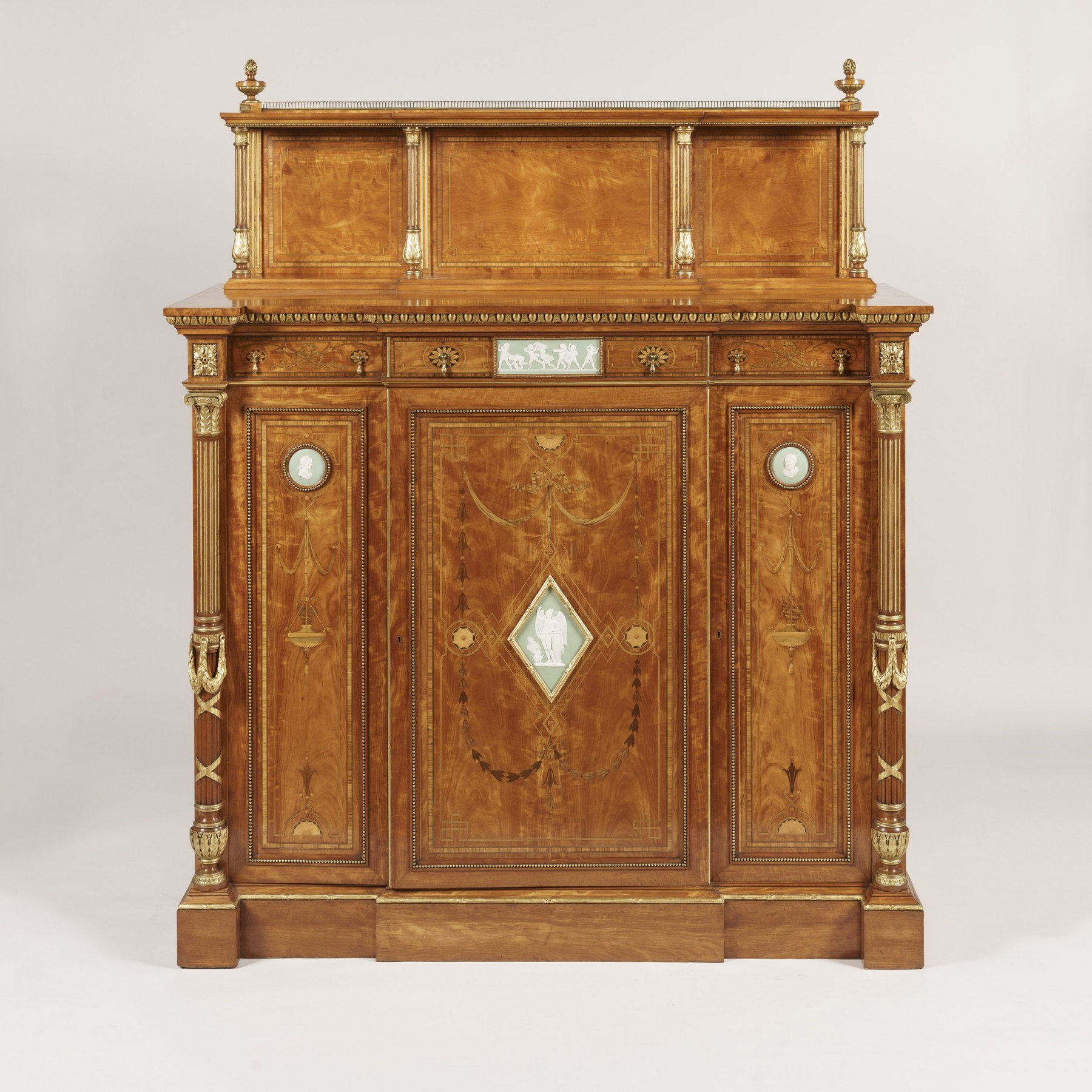9046 Satinwood Cabinet attributed to Wright & Mansfield 2