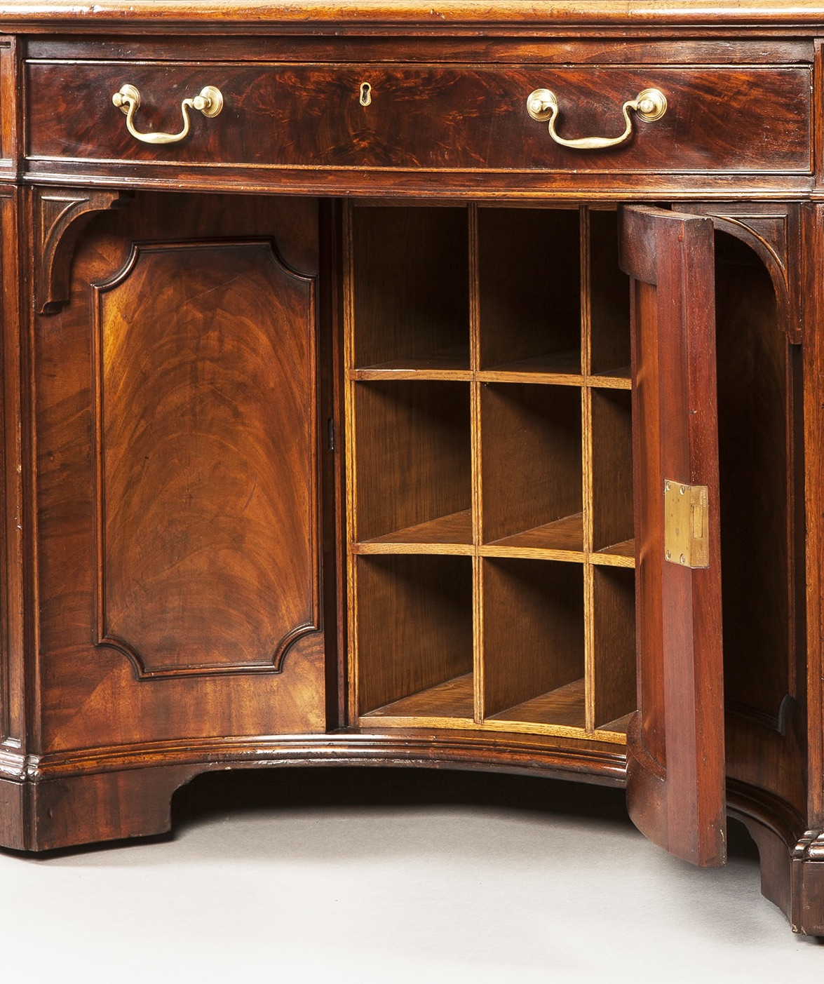 9068 Mahogany Oval Desk in the Georgian Manner draws copy